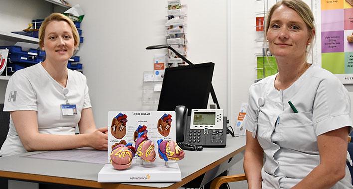 Reservelæge Astrid Hundebøll (tv.) og sygeplejerske Stine Rosenstrøm