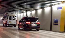 Billed af holdende bil i parkeringskælderen på Hvidovre Hospital
